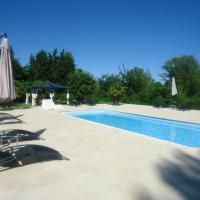 Hotel Pictures: L'Oasis, Salernes