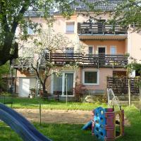 Hotel Pictures: Ferienwohnungen Markgraf, Kleinluga