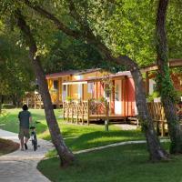 Zdjęcia hotelu: Mediterranean Premium Village Holiday Homes, Novigrad Istria