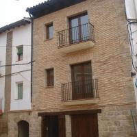 Hotel Pictures: Casa Vallés, Adahuesca