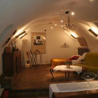 Hotel Pictures: Chambre d'hôtes La Romarine, Barnave