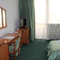 Standard Twin Room***