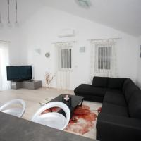 Luxury Two-Bedroom Penthouse Apartment (4 adults + 2 Children)