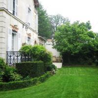 Hotel Pictures: Les Bouvreuils, Vaucresson