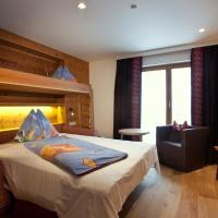 Deluxe Family Suite (2 Adults + 2 Children)