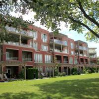 Strand Lakeside Resort by Okanagan Valley Rentals