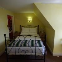 Double Room with Shared Bathroom Facilities