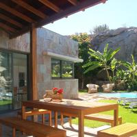 Superior Four-bedrooms Villa with pool (6 adults + 2 children)