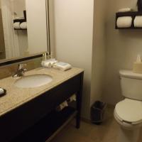 Double Room with Two Double Beds - Disability Access with Bathtub/Non-Smoking