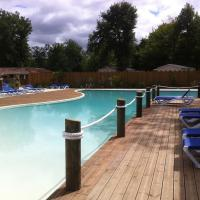 Hotel Pictures: Camping Lac de l'Uby, Barbotan-les-Thermes