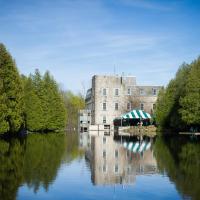 Hotel Pictures: Millcroft Inn & Spa, Alton