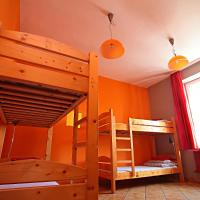 Bed Dormitory Room for Six People with Shared Bathroom