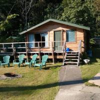 Hotel Pictures: Madrona Lodge, North Galiano
