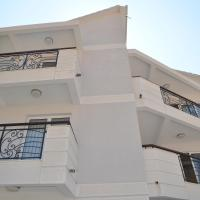 Hotel Pictures: Apartments Mianiko, Herceg-Novi
