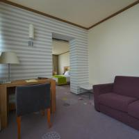 Suite with Free Underground Parking