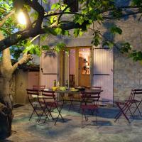 Hotel Pictures: Le Figuier, Saint-Andéol-de-Berg