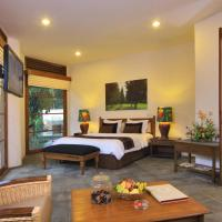 Suite with Warm Plunge Pool
