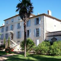Hotel Pictures: Domaine Saint Pierre de Trapel, Villemoustaussou