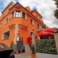 Hotel Pictures: Hotel Villa Toscana, Gersthofen