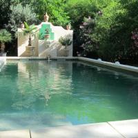 Hotel Pictures: Maison d'Hôtes La Boca, Sommières