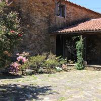 Hotel Pictures: Casa Calvo, O Pino