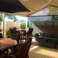 Hotel Pictures: Safety Bay Guest House, Rockingham