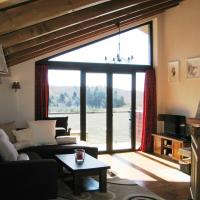 Chalet (10 Adults)