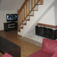 Three-Bedroom Apartment with Fireplace (6 Adults)
