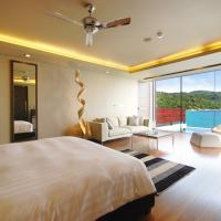 FamilyTwo-Bedroom Villa with private pool