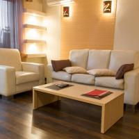 Deluxe One-Bedroom Apartment on Boulevard Lesi Ukrainki 2