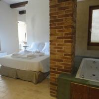 Hotel Pictures: Hotel Rural Cal Torner, Guiamets