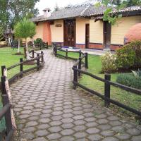 Hotel Pictures: Jatun Huasi, Cayambe