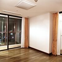 Junior Suite with Partial Ocean View