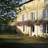 Hotel Pictures: Le Mouillage Vert, La Mothe-Saint-Héray
