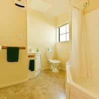 Studio with Spa Bath
