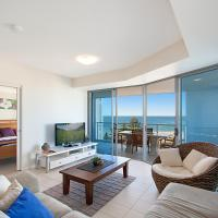 Three Bedroom Apartment with Beach View