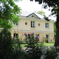 Hotel Pictures: Les Buis de Boscherville, Hénouville
