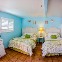 Queen Room with Two Queen Beds and Kitchenette