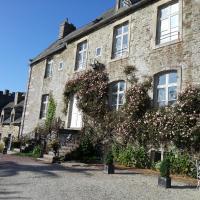 Hotel Pictures: Château Du Rozel, Le Rozel