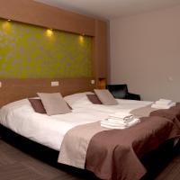 Hotel Pictures: Hampshire Hotel - Auberge La Grande Cure, Marcourt