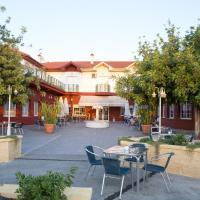 Hotel Pictures: Hotel Mitra, Cabra