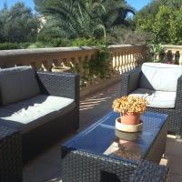 Hotel Pictures: Casa Paseo Platon, Cala Mendia