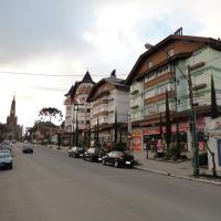 Hotel Pictures: Apartamento Baviera, Canela