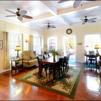 Foto Hotel: Avalon Bed and Breakfast, Key West