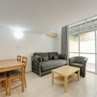One-Bedroom Apartment with a Living Room And a Garden - 28 Hakovshim Street