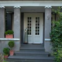 Hotel Pictures: Altes Landhaus am Park (Bed & Breakfast), Xanten