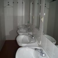 Single Room with Shared Bathroom -  Bajo Coso 87