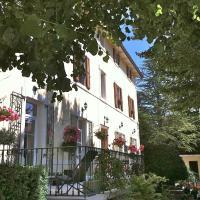 Hotel Pictures: Gites du Caylar - Chambres, Le Caylar