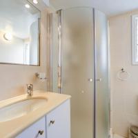 Superior One-Bedroom Apartment - 210 Hayarkon Street