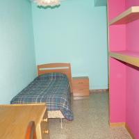 Single Room with Shared Bathroom- Calle Tenerías, 7
